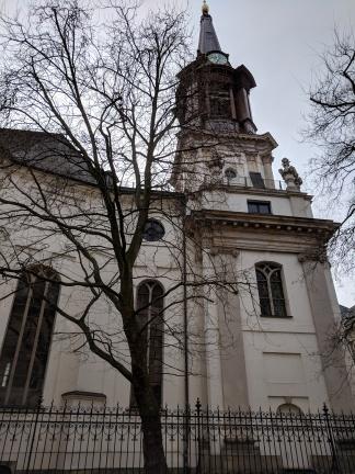 Parociahkirche Exterior