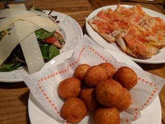 Salad, Pan con Tomato, Cod